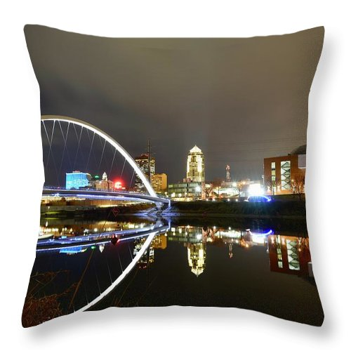 Des Moines Throw Pillow featuring the photograph Good Old Des Moines. by Justin Langford