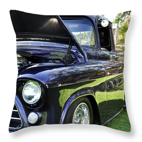 Clay Throw Pillow featuring the photograph Grape Fully Blown Pickup by Clayton Bruster