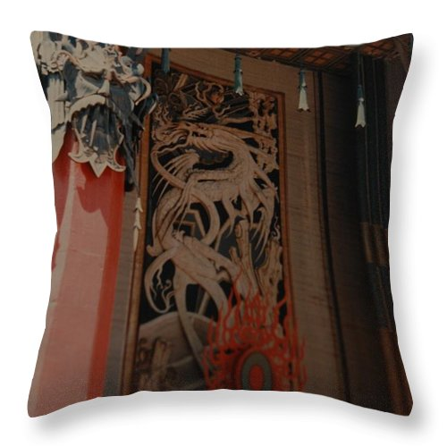 Grumanns Chinese Theater Throw Pillow featuring the photograph Grumanns Chinese Theater by Rob Hans
