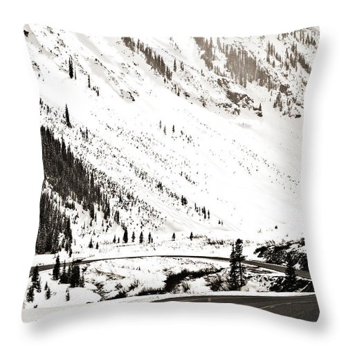 Curve Throw Pillow featuring the photograph Hairpin Turn by Marilyn Hunt