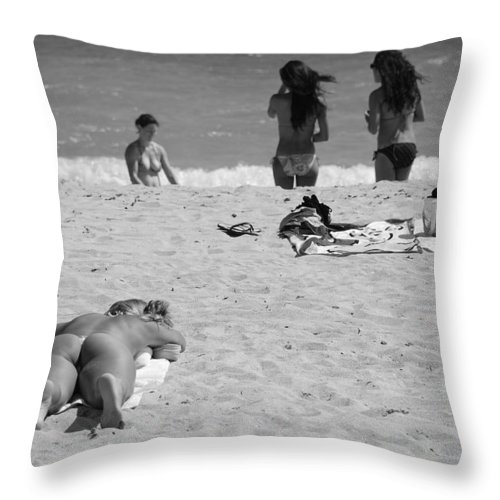 Miami Throw Pillow featuring the photograph Half Dead Half Alive by Rob Hans
