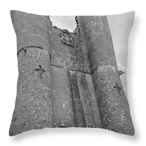 Hammond Castle Throw Pillow featuring the photograph Hammond Castle Detail - Black And White by Suzanne Gaff