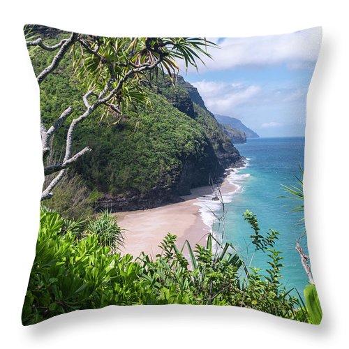 Na Pali Coast Throw Pillow featuring the photograph Hanakapiai Beach by Brian Harig