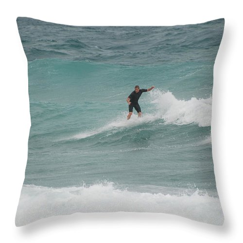 Water Throw Pillow featuring the photograph Hanging Ten by Rob Hans