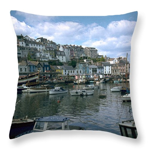 Great Britain Throw Pillow featuring the photograph Harbor by Flavia Westerwelle