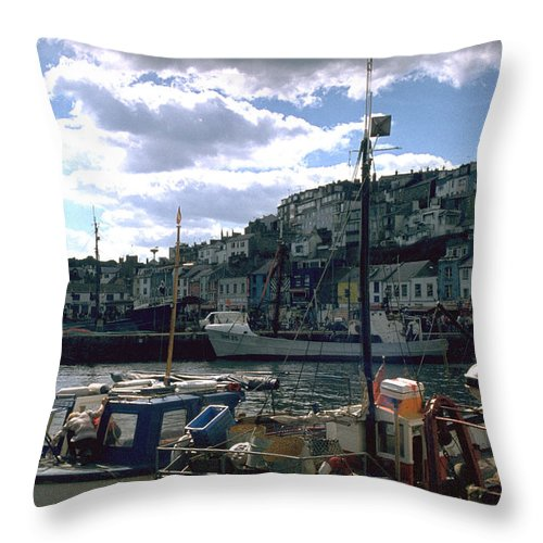 Great Britain Throw Pillow featuring the photograph Harbor II by Flavia Westerwelle