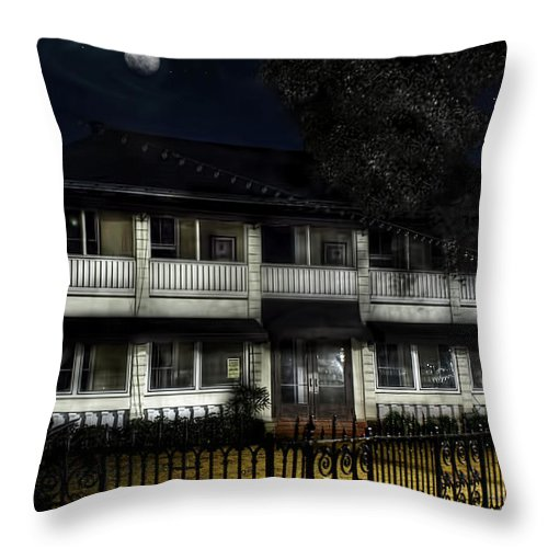 Ft. Lauderdale Throw Pillow featuring the photograph Haunted Hotel by Mark Andrew Thomas
