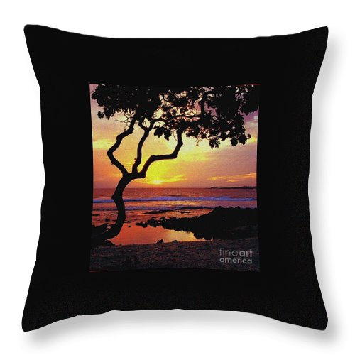 Seacape Throw Pillow featuring the photograph Hawaiian Sunset by D Nigon