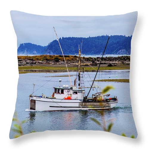 Boats Throw Pillow featuring the photograph Heading Out by Larry Waldon
