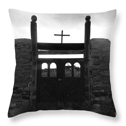 Heaven Throw Pillow featuring the photograph Heaven's Gate by David Lee Thompson