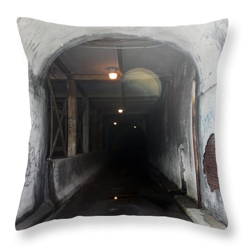 Cityscape Throw Pillow featuring the photograph Here Comes The Bus by Erin Rosenblum