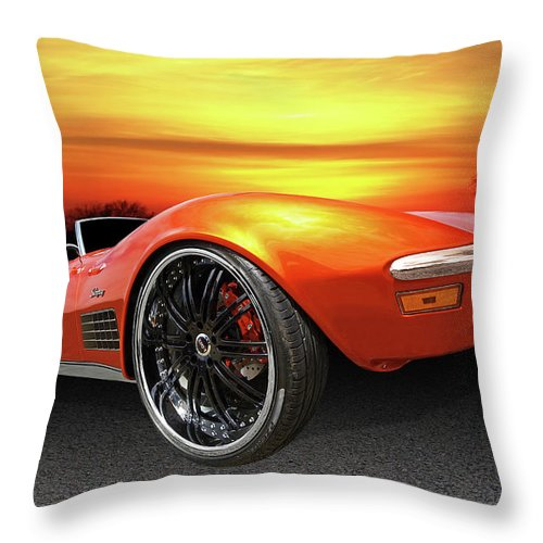 Corvette Stingray Throw Pillow featuring the photograph Here Comes The Sun - '72 Stingray by Gill Billington
