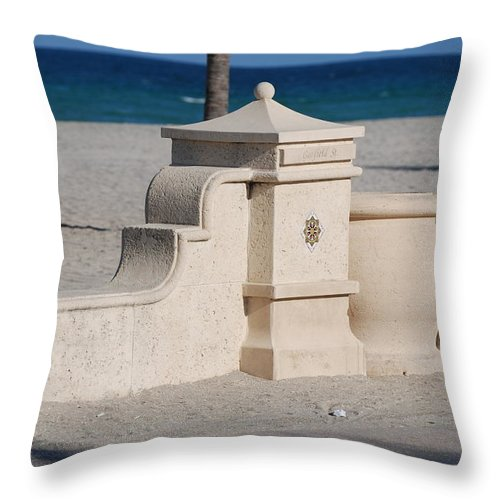 Beach Throw Pillow featuring the photograph Hollywood Beach by Rob Hans