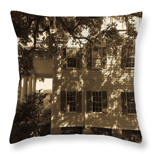 Transition To Freedom Throw Pillow featuring the photograph Mcleod Plantation Home In Black And White by Dale Powell