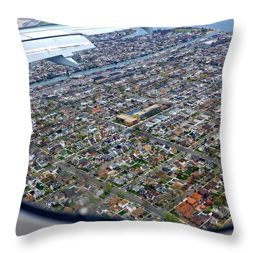 Airplane View Throw Pillow featuring the photograph Homeward Bound by Cheryl Kurman