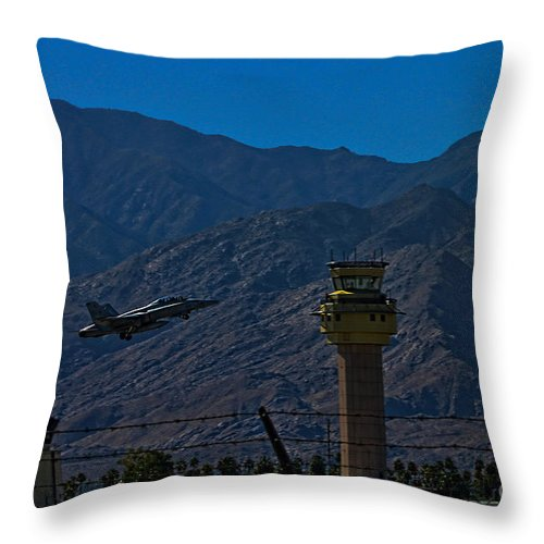 Boeing Fa-18ef Super Hornet Throw Pillow featuring the photograph Hot F-18 by Tommy Anderson