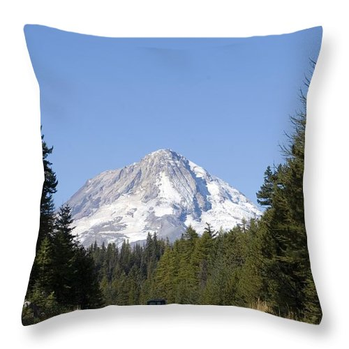 Highway 26 Throw Pillow featuring the photograph Hwy 26 by Sara Stevenson