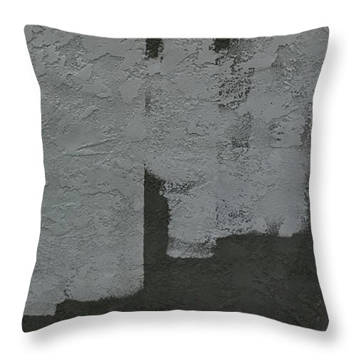 Palm Springs Throw Pillow featuring the photograph I Lay Me Down by Stan Magnan