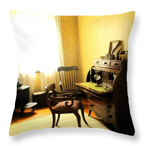 Antique Throw Pillow featuring the photograph I Will Be Right Back by Ian MacDonald