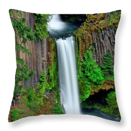 Waterfall Throw Pillow featuring the photograph In The Open by Scott Mahon