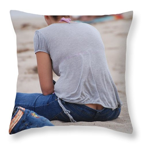 Girl Throw Pillow featuring the photograph Indiana Girl by Rob Hans