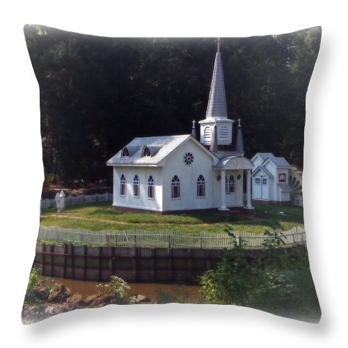 Brian Wallace Throw Pillow featuring the photograph Inspirational by Brian Wallace