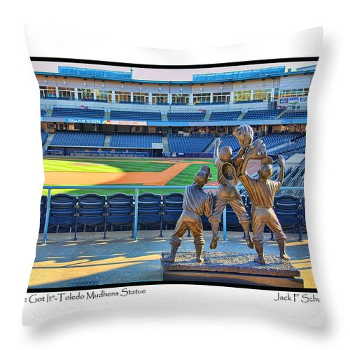 I've Got It Throw Pillow featuring the photograph Ive Got It by Jack Schultz