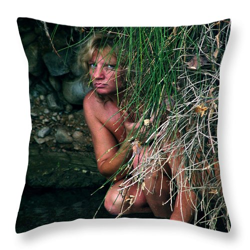 Woman Nude Photo Throw Pillow featuring the photograph Kelly Nude by Peter Piatt