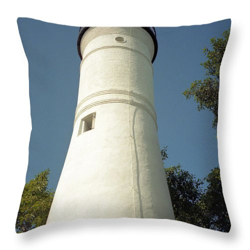 Lighthouses Throw Pillow featuring the photograph Key West Lighthouse by Richard Rizzo