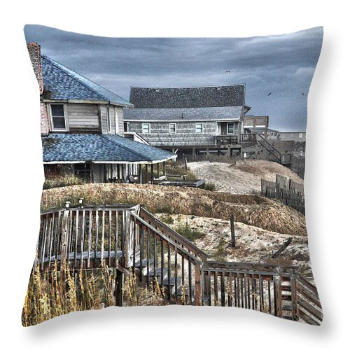 Obx Throw Pillow featuring the photograph Kill Devil Hills Morning by Rod Farrell