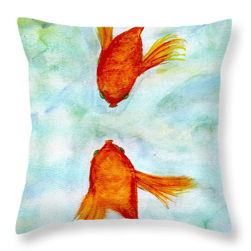 Fish Throw Pillow featuring the painting Kissy Fish by Susan Hendrich