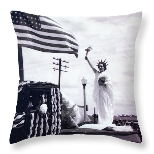 4th Of July Throw Pillow featuring the photograph Lady Liberty by Kurt Hausmann
