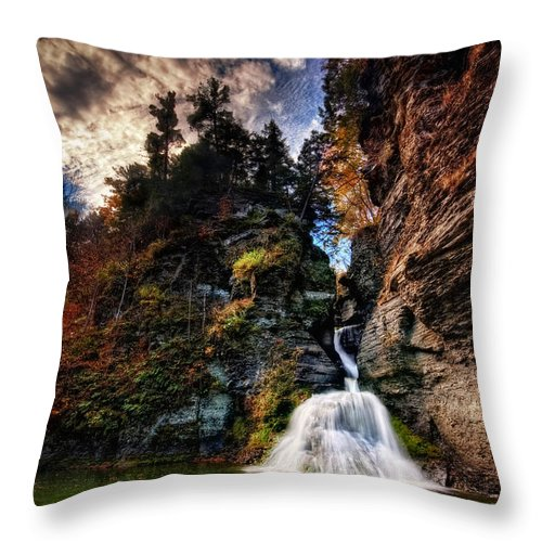 Mine Kill State Park Throw Pillow featuring the photograph Laurelindorinan by Neil Shapiro