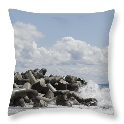 Lighthouse Throw Pillow featuring the photograph Lighthouse By The Bay by Bruce Frye