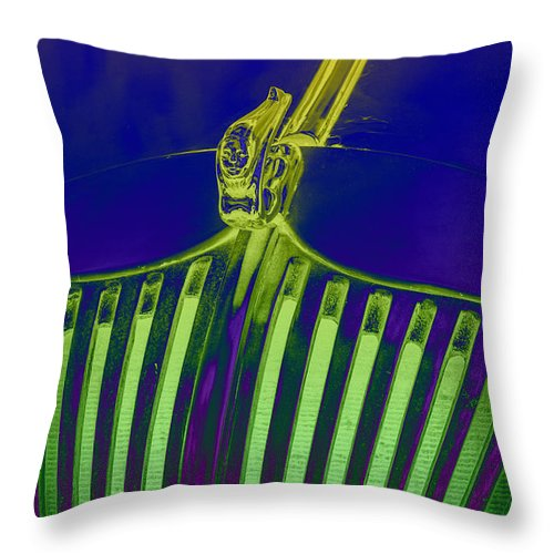 Lime Throw Pillow featuring the photograph Lime Drop by Hazy Apple