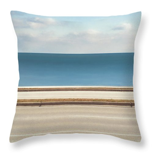 Scott Norris Photography Throw Pillow featuring the photograph Lincoln Memorial Drive by Scott Norris