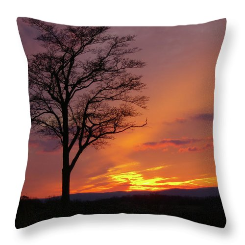 Gettysburg Throw Pillow featuring the photograph Little Round Top Sunset by Jen Goellnitz