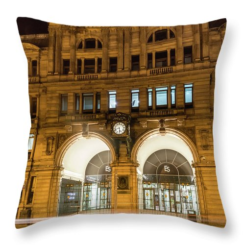 6x4 Throw Pillow featuring the photograph Liverpool Exchange Railway Station By Night by Jacek Wojnarowski