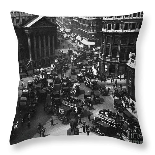 1910 Throw Pillow featuring the photograph London: Financial District by Granger