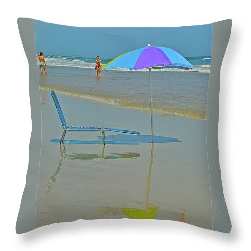 Beach Throw Pillow featuring the photograph Looks Inviting by Diana Hatcher