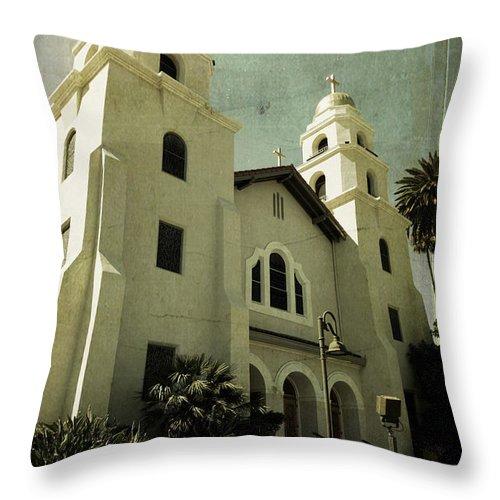 Church Throw Pillow featuring the photograph Beverly Hills Church by Scott Pellegrin