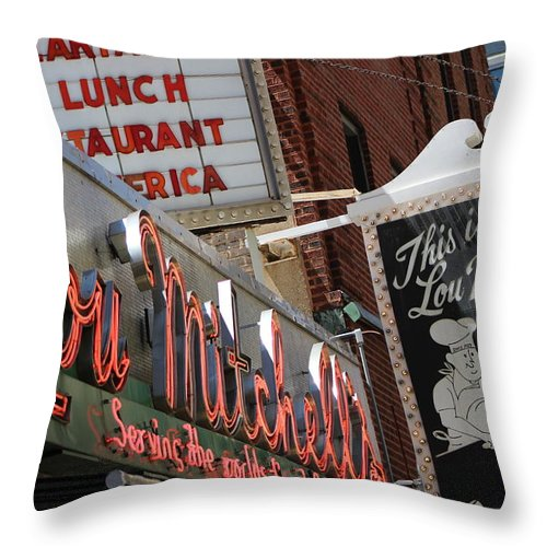 Lou Mitchell's Restaurant And Bakery Chicago Throw Pillow