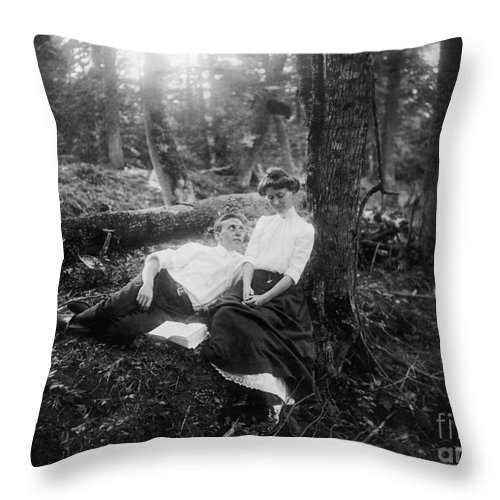 1900 Throw Pillow featuring the photograph Lovers, C1900 by Granger