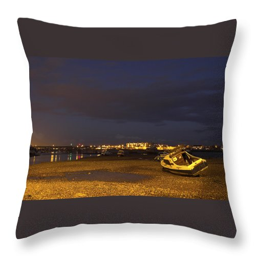 River Throw Pillow featuring the photograph Low Tide At Dusk by Hazy Apple