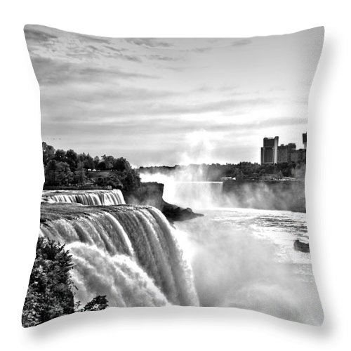 Falls Throw Pillow featuring the photograph Maid In The Mist by DJ Florek