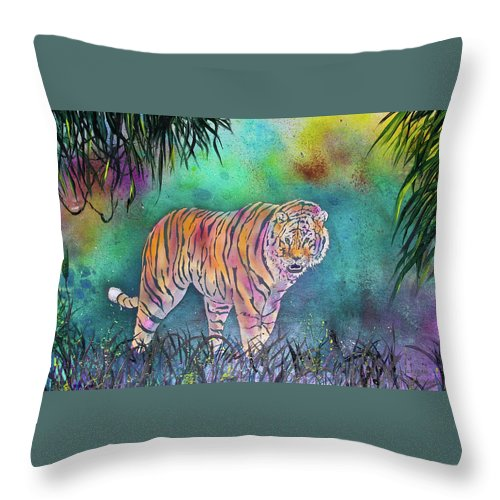 Preditor Cats Throw Pillow featuring the painting Majestic Tiger by Larry Johnson
