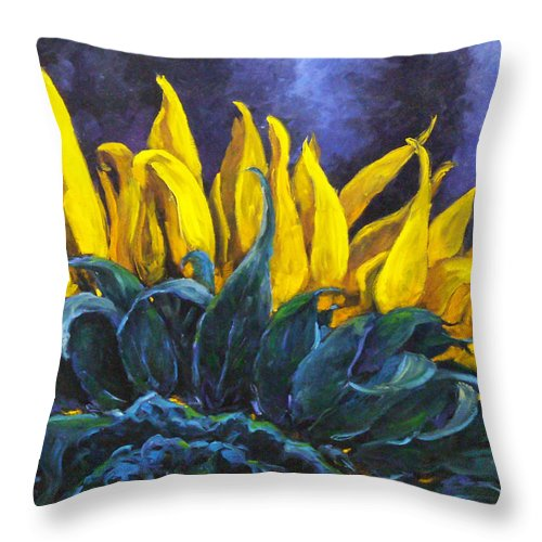 Flower Throw Pillow featuring the painting Majestica by Richard T Pranke