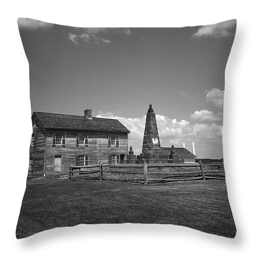 America Throw Pillow featuring the photograph Manassas Battlefield Farmhouse 2 Bw by Frank Romeo