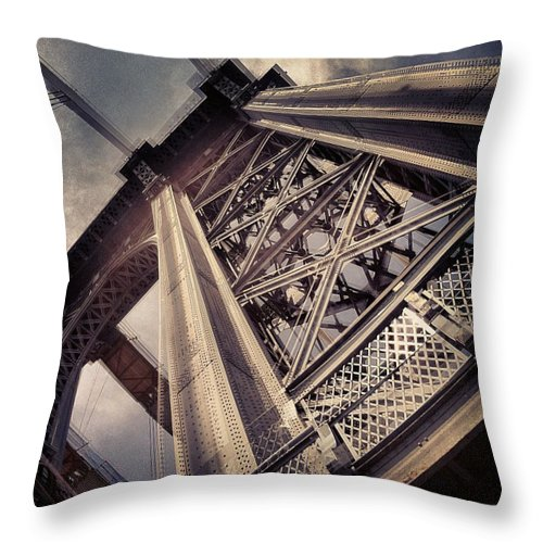 Manhattan Bridge Throw Pillow featuring the photograph Manhattan Bridge From Below by William North