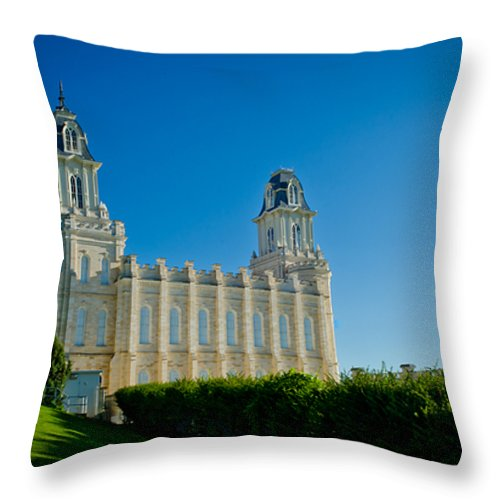 Manti Temple Throw Pillow featuring the photograph Manti Temple North Hill by La Rae Roberts